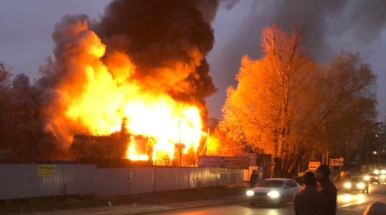 После пожара в Мурино, где погибли пятеро, возбуждено дело
