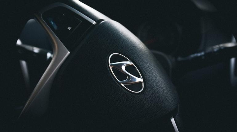 Корейский производитель автомобилей Hyundai в ноябре покажет новый кроссовер под названием Palisade. Премьера машины пройдет на автосалоне в Лос-Анджелесе в ноябре.