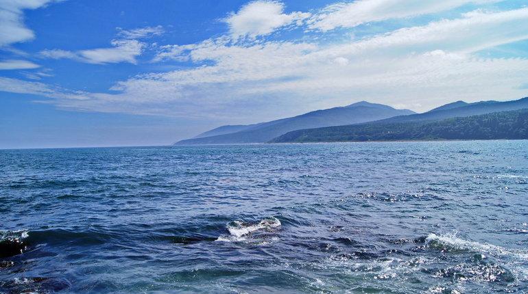 Спасатели обнаружили предметы, предположительно, с верхней палубы затонувшего в Охотском море сухогруза