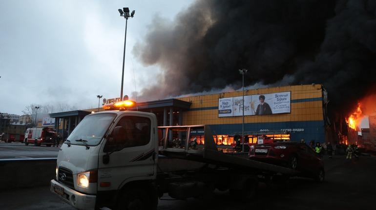 По данным ГУ МЧС по Петербургу, пожар в
