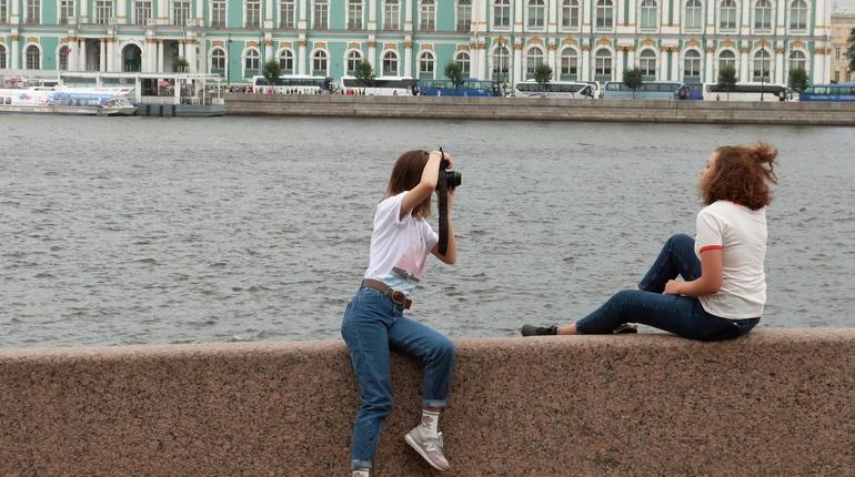 Петербург оказался среди пятерки лучших направлений для молодежного туризма в Петербурге. Об этом сообщает ТурСтат.