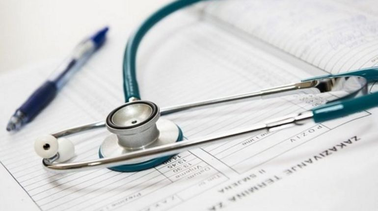 Следственные органы в Краснодарском крае уже начали проводить проверку после резонансного случая в Северской центральной районной больнице.Врач поликлиники в грубой форме отказал пациентке, которая пришла без предварительной записи.