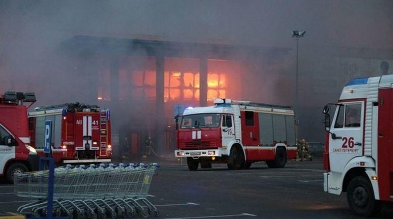 Разлившаяся горючая жидкость могла спровоцировать пожар в «Ленте»
