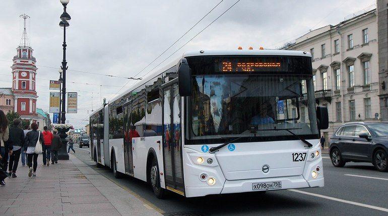 В Петербурге протестируют самый длинный автобус в России