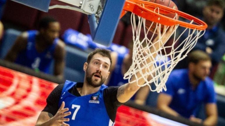 Баскетбольный «Зенит» одержал третью победу, обыграв «Парму»