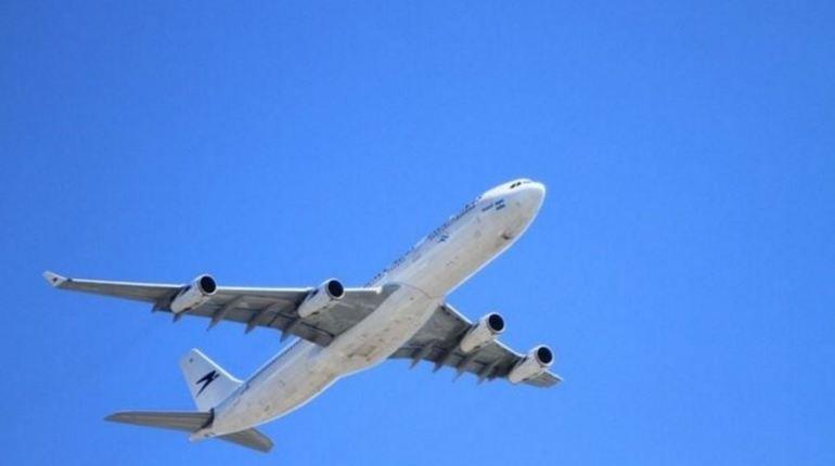 В Норильске самолет Boeing 737 совершил аварийную посадку