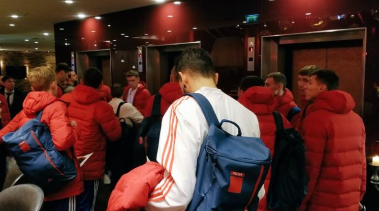 Сборная России по футболу прилетела в Лейпциг на матч с Германией