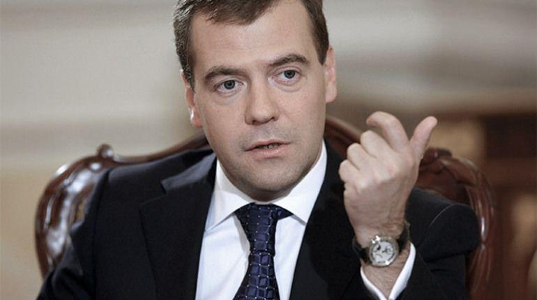 Одной из самых кричащих проблем в экономике является бедность. Об этом заявил глава правительства России Дмитрий Медведев.