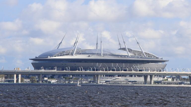 Пользователи ЗСД жалуются на рекламу «Зенита» у стадиона «Санкт-Петербург»