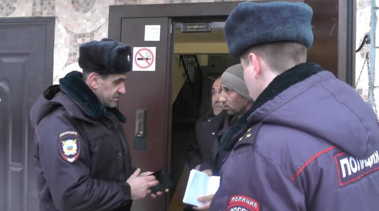 Прокуратура Адмиралтейского района провела проверку соблюдения миграционного законодательства. В ходе проверки нашли 170 мигрантов, которые незаконно находятся на территории России.