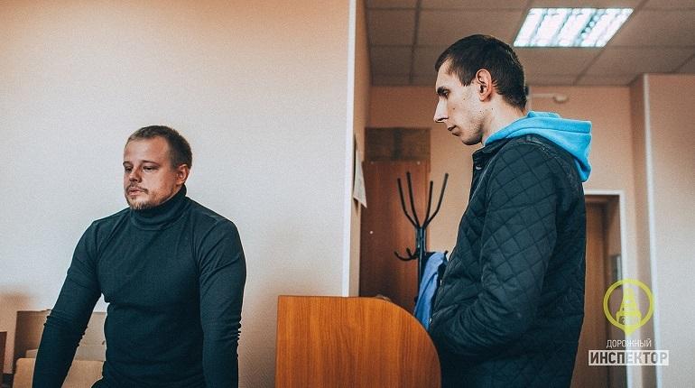 На судебном заседании в Петербурге 27-летнего водителя, который на нерегулируемом пешеходном переходе 18 ноября сбил 75-летнего экс-солиста группы