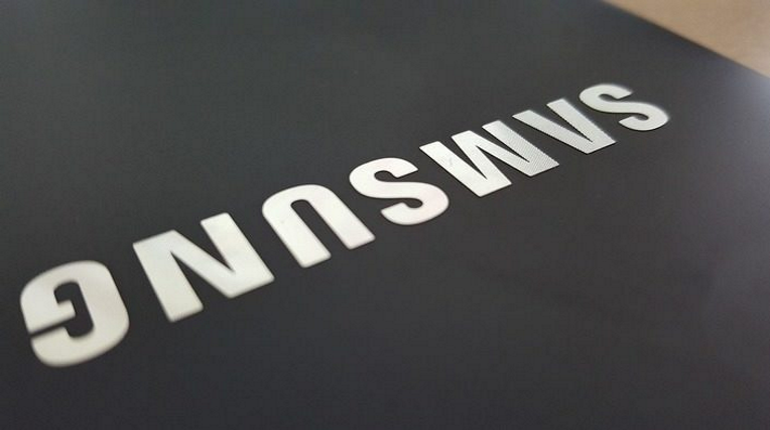 Samsung выпустит «лопату» с шестью камерами