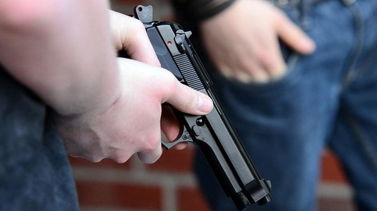 Петербургская полиция пресекла деятельность этнической организованной преступной группы, которая промышляла грабежом и разбойными нападениями на магазины розничной торговли в Петербурге.