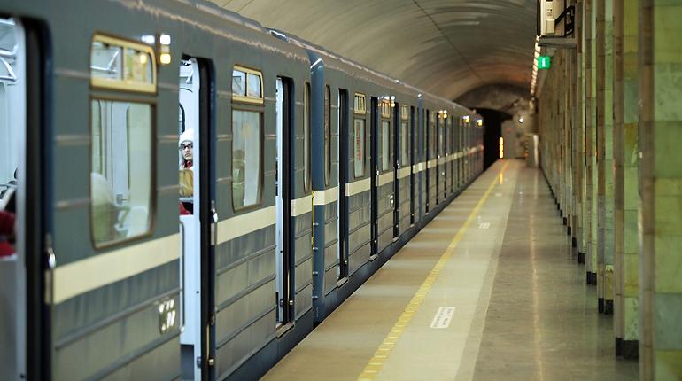 С самого утра в петербургском метро закрыли станцию «Новочеркасская».