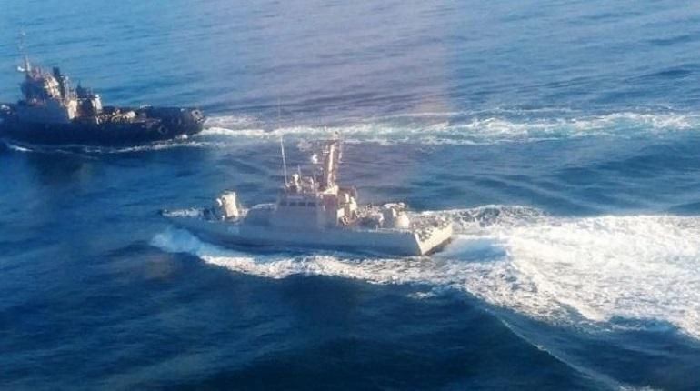 Киев обвинил Россию в обстреле своих кораблей
