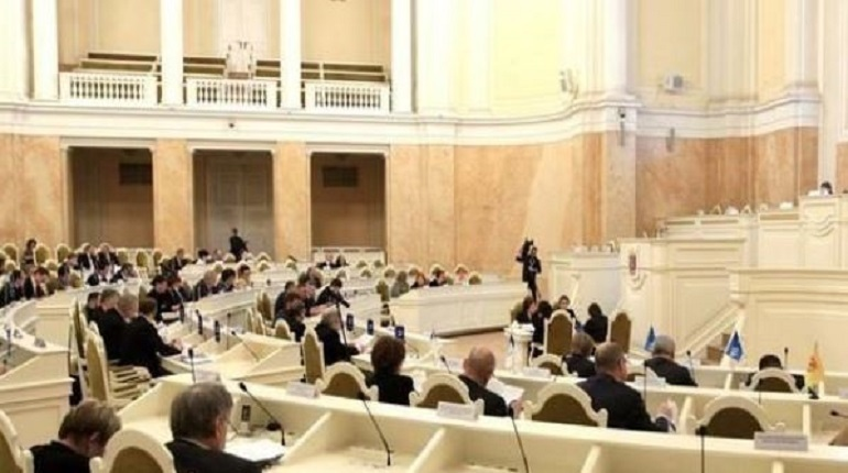 Бюджетно-финансовый комитет 26 ноября рекомендовал Законодательному Собранию Петербурга принять закон о бюджете города на следующий год в 3 чтении. Также был одобрен законопроект о бюджете территориального фонда ОМС.