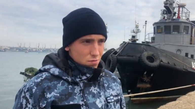 ФСБ показала допрос украинских военнослужащих, задержанных в Керченском проливе