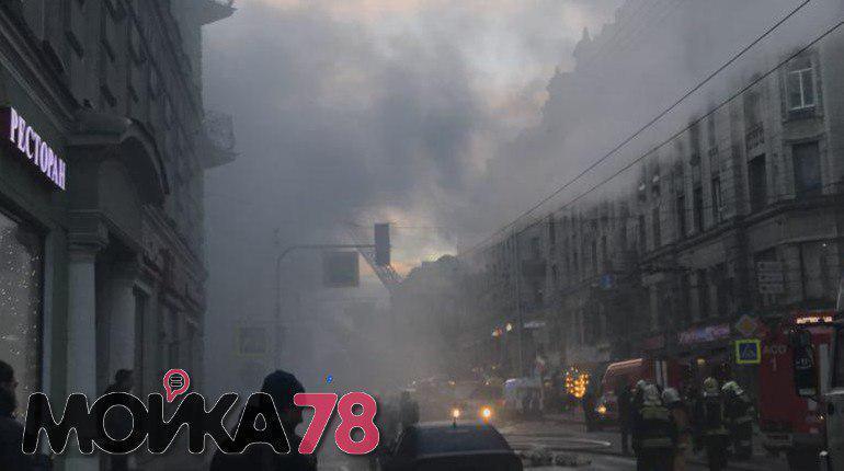 Мужчину, которого госпитализировали в больницу после пожара в бутике Bosco в Петроградском районе Петербурга, отпустили долечиваться домой.