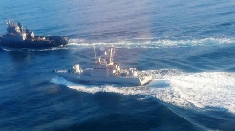 Киевский районный суд Симферополя избрал меру пресечения для восьми из 24 моряков, задержанных после захода украинских кораблей в Керченский пролив. Все они будут заключены под стражу.