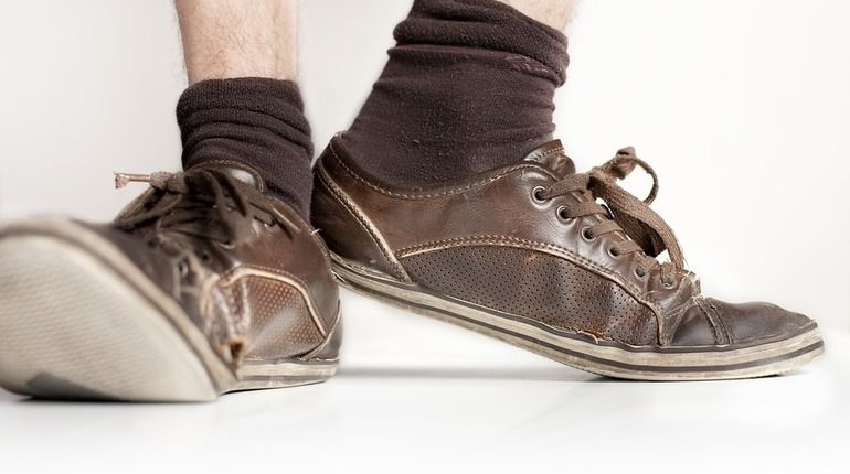 Индуса в автобусе задержали за дурно пахнущие носки