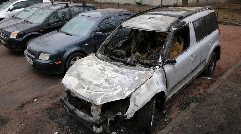 В Петербурге увеличат штрафы за брошенные авто