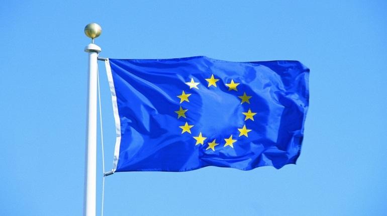 ЕС призвал Киев и Москву снизить напряженность в регионе после задержания украинских кораблей в Черном море. О санкциях в заявлении Евросоюза не упоминается.