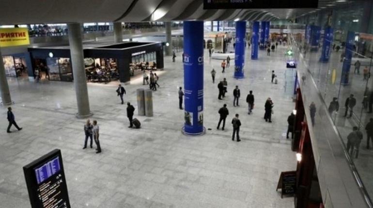 Утром в аэропорту Пулково отменили самолет до Сочи, который должен был покинуть Петербург 29 ноября в 10:35.