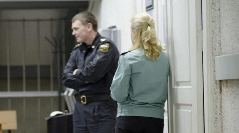 В Ленинградской области у дома №6 на улице Матвеева в Гатчине 28 ноября задержали мужчину, находящегося в федеральном розыске.