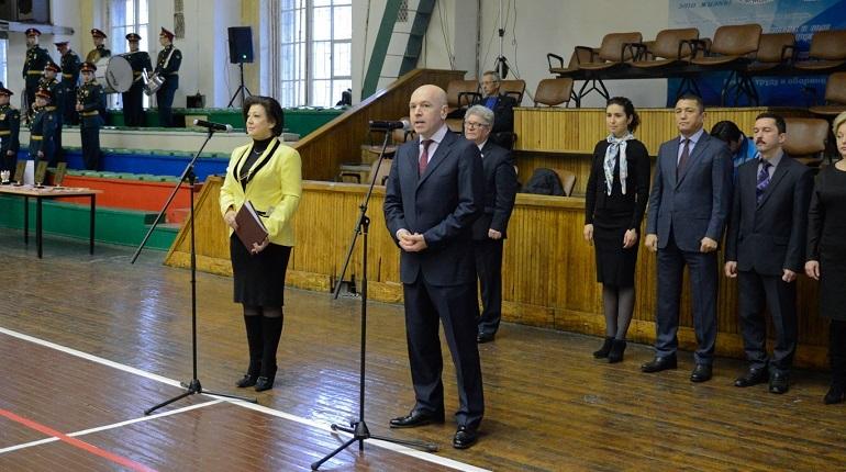 Вице-губернатор Петербурга Константин Серов 28 ноября поздравил футбольный клуб «Алмаз-Антей» с завершением сезона 2018 года. В своей речи он отметил, что правительство города будет делать все для развития молодежного спорта.
