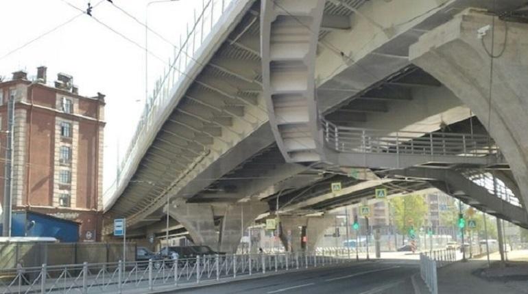 Правительство Петербурга изъяло для нужд, связанных с мостом Бетанкура, участок на Ремесленной, 3, литера Д. Соответствующее постановление опубликовано на сайте Смольного 28 ноября.