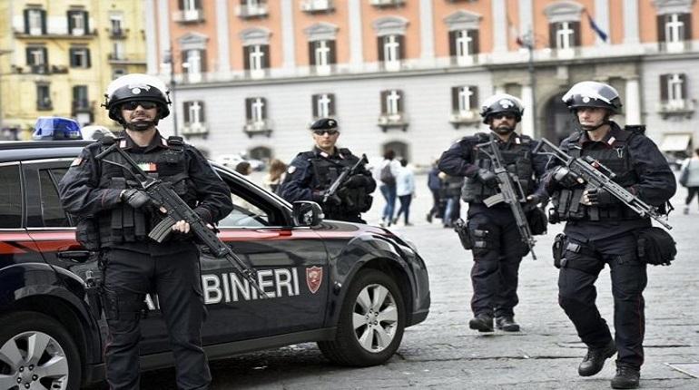 Сотрудники правоохранительных органов Италии смогли задержать мужчину, который захватил заложников в одном из колледжей города Фьюджи.