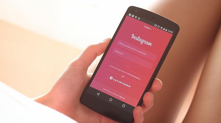 В популярной социальной сети Instagram появились новые функции, которые помогут слабовидящим людям