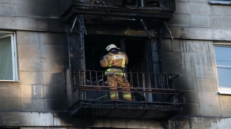 Спасатели потушили два квартирный пожара в Калининском и Василеостровском районах Петербурга в ночь на 30 ноября.