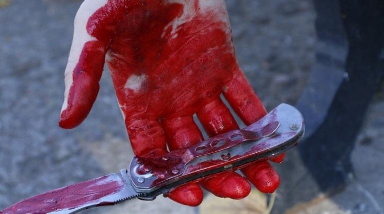 Во Фрунзенском районе Петербурга алкогольное застолье закончилось для мужчины ножевым ранением.