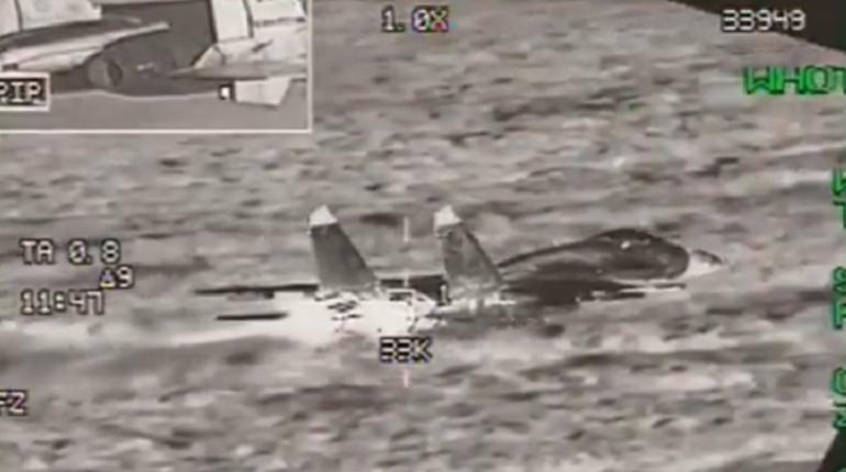 Российские военные самолеты Су-27, по утверждению Бельгийским ВВС, летели без плана полета. Над Балтийским морем они 28 ноября были перехвачены бельгийскими F-16.