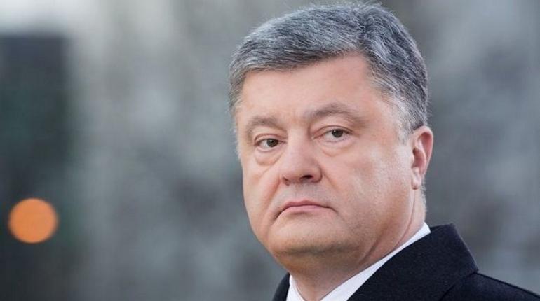 Украина ввела ограничения на въезд для россиян. Страну не могут посетить мужчины от 16 до 60 лет. На женщин запрет не распространяется.