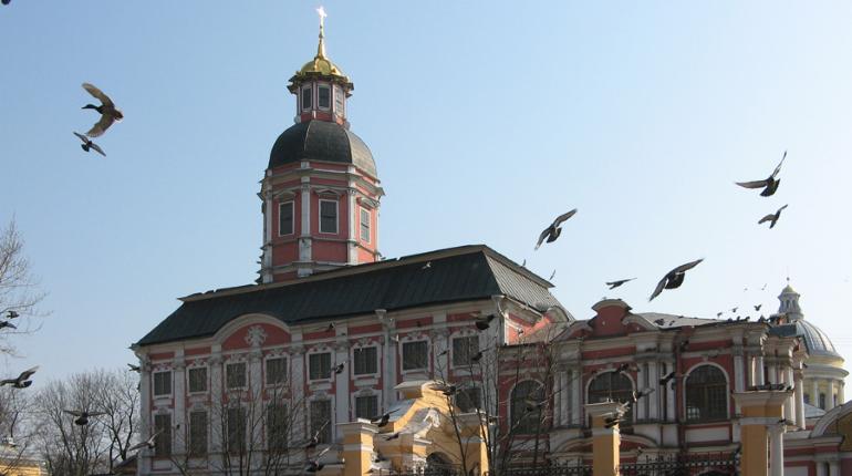 Митрополит Варсонофий просит Александра Беглова передать Александро-Невской Лавре здание Благовещенской церкви, которым сейчас пользуется Музей городской скульптуры. Вопрос о передаче здания ранее поднимался в 2013 и 2015 годах.