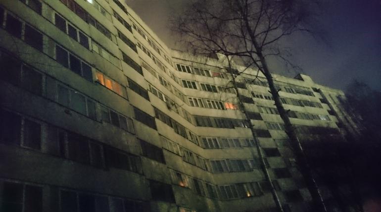 В Красносельском районе Петербурга восстановили подачу электричества в четырех дома после блэкаута, который произошел вечером 30 ноября.