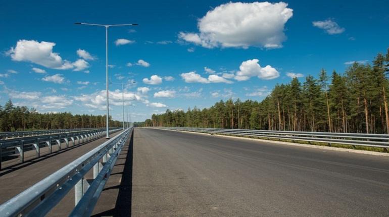 На скоростной трассе М-11, которая соединяет Москву и Петербург, весной 2019 года протестируют беспилотные автомобили. Об этом заявил глава рабочей группы по разработке дорожной карты НТИ