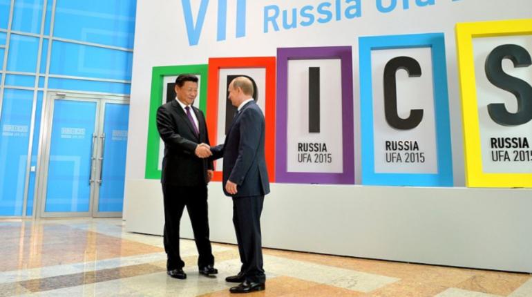 Лидер КНР Си Цзиньпин приедет на Петербургский международный экономический форум в 2019 году по приглашению российского президента Владимира Путина.