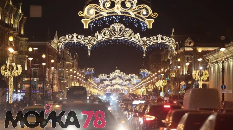 Центр Петербурга украсили к Новому году: фоторепортаж «Мойки78»