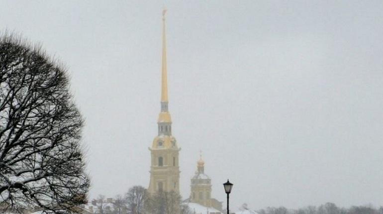 На улицах Петербурга 2 декабря будет скользко из-за гололедицы, осложнит ситуацию снегопад, который припорошит городские дороги. Температура воздуха в воскресенье может снизиться до «минус» 7 градусов.
