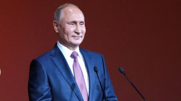 Российский президент Владимир Путин назвал маловероятным сценарием сюжет американского боевика «Хантер Киллер».