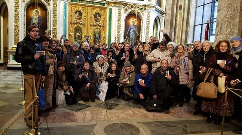 Акция в защиту Исаакиевского собора прошла в Петербурге в воскресенье, 2 декабря. В ней участвовало около 50 человек. Они начали собирать подписи против передачи церкви придела святой Екатерины.