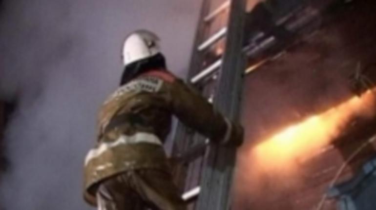 В Бокситоргорском и Подпорожском районах Ленобласти за воскресный вечер сгорели две бани. Пожарные боролись с огнем почти час.