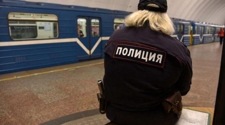 «Петроградскую» закрыли из-за подозрительного предмета