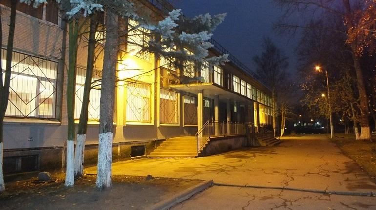 В школе №283 на улице Стойкойсти зафиксированы три случая острой кишечной инфекции. Проверку учреждения ведет управление Роспотребнадзора по Петербургу.