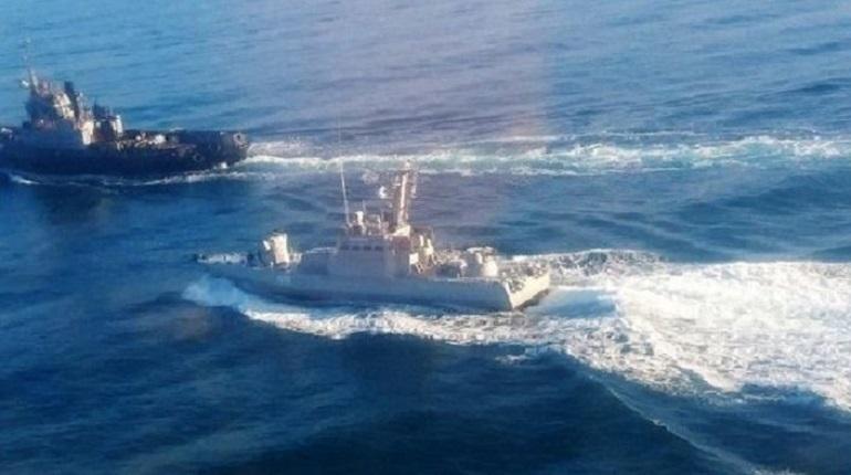 В командовании ВМС ВС Украины проводят проверку информации о пропаже артиллерийских катеров «Бердянск» и «Никополь» с причала в Керчи. Ранее суда были задержаны российскими пограничникам после нарушения госграницы.