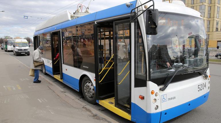 В связи с аварией на тепловых сетях закрывается троллейбусное движение на  Ждановской улице у дома №2 с 09:00 4 декабря до окончания работ. Об этом сообщает пресс-служба ГУП