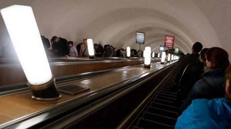 В метро Петербурга 4 декабря прошла плановая проверка систем оповещения. Представитель метрополитена уточнил корреспонденту